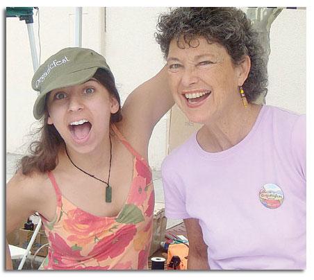 happy-organicfest-volunteers
