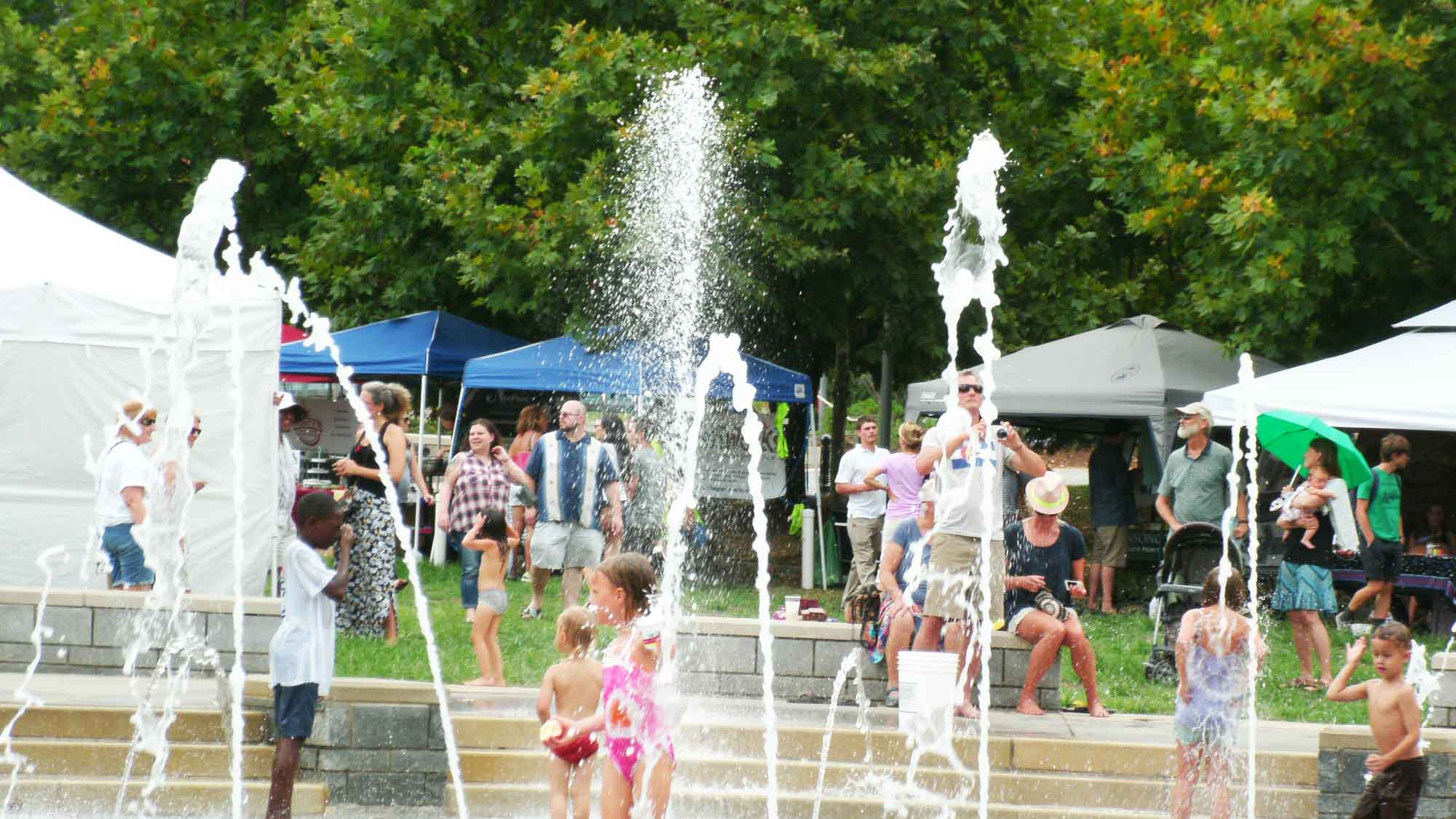 splashville-fun-at-organicfest